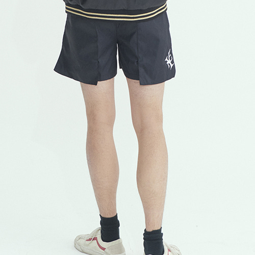 YNC 와이낫씨 OverPocket Half Pants - Bk